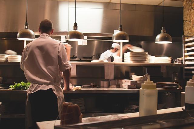 kuchyň v restauraci