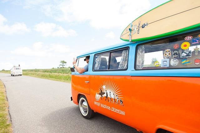 Dodávka, surf, výlet