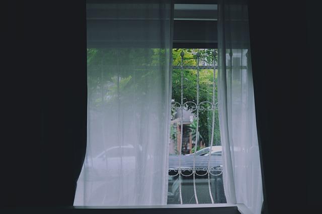 okno v domácnosti